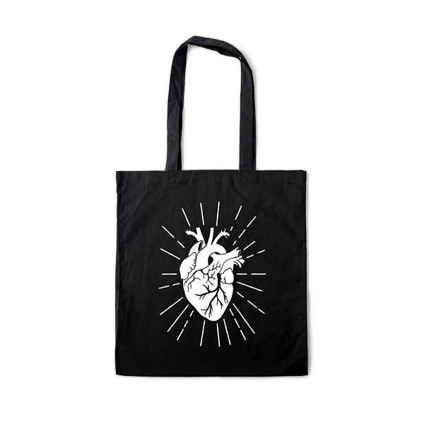 Czarna torba zakupowa na ramię z białym nadrukiem w kształcie serca