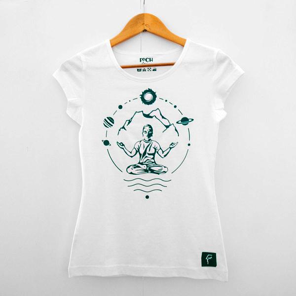 biała koszulka damska do jogiz zielonym nadrukiem, mantra