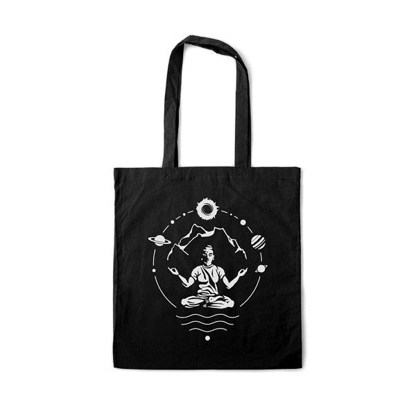 czarna torba na zakupy na ramię z nadrukiem w temacie: mantra, yoga, góry kosmos
