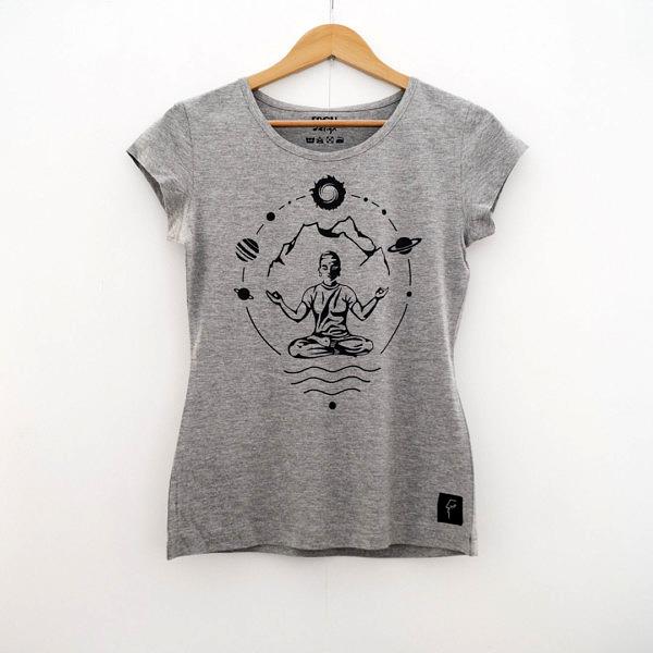 szara damska koszulka do yogi na wieszaku