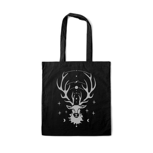 Magiczny wzór z jeleniem. Kosmos i planety ozdabiają jego poroże w sam raz na święta. Czarna torba z nadrukiem.